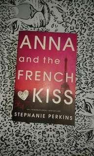 ANNA and the French Kiss😘❤ novel by: Stephanie Perkins (now php 265)