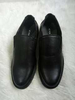 Sepatu pantofel pria BARU