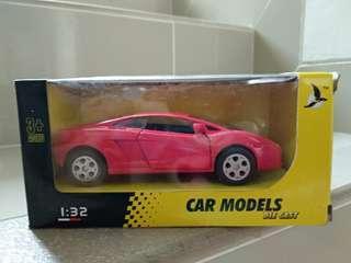 Mainan mobil collectibles