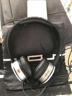 Sol Republic Headphones V10