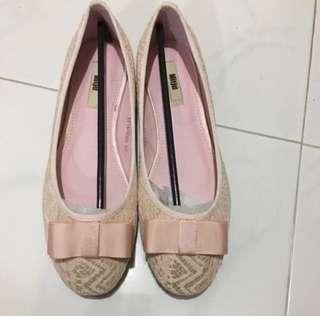 (size: 40) BNIB Mitju Ballerina Lace Flats/Shoes