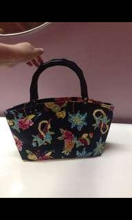 Floral with wood handy bag