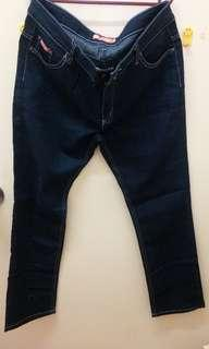 USON LADIES STRAIGHT JEANS 36INCHES