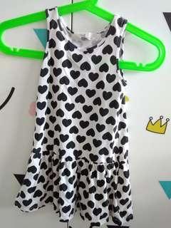 H&M black white hearts dress 2-4yrs