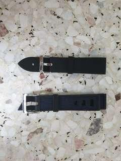 Swap 22mm Diving Watch Strap and generic 22mm rubber strap