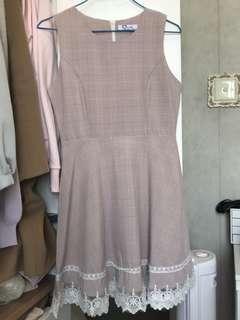 日系 格仔紅色蕾絲斯文連身裙
