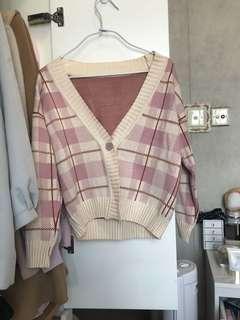 粉紅色格仔冷衫外套