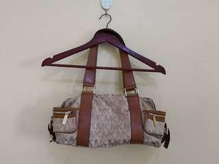 AUTHENTIC MICHAEL KORS BAG WITH FLAWS