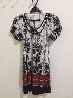 Dress putih bahan stretch