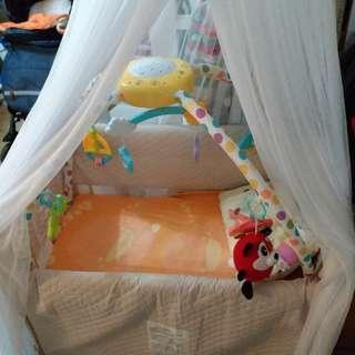 嬰兒床+蚊帳+健身器