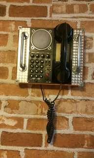 復古掛牆電話 (不能通話,只作裝飾)