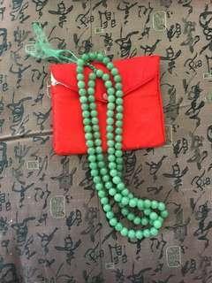 綠玉珠鍊 Jade bead necklaces