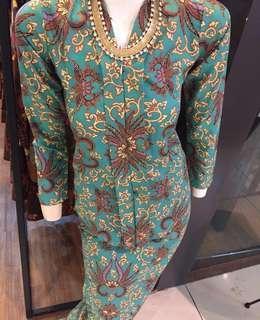 KEBAYA Moden Classic Batik Jawa