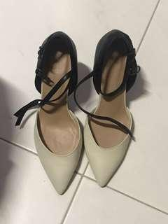 Marks and Spencer wider feet heels(size 40)