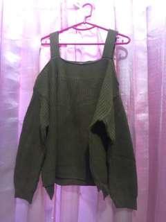 Sweater cut off shoulder