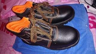 🚚 鋼頭鞋