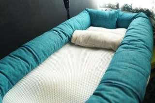 Loora baby travel bed