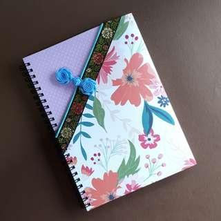 🚚 Qipao journal A5 size
