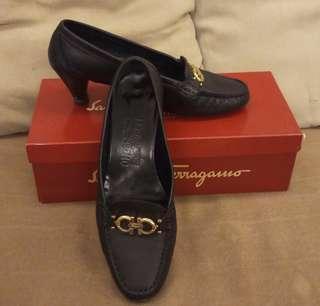ferragamo 包頭 低跟鞋 《保證真品》