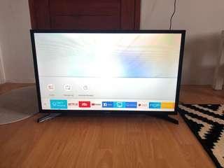 Samsung 32 in LED SMART TV - 32N4300
