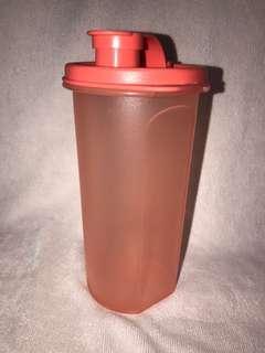 Tupperware wattle bottle