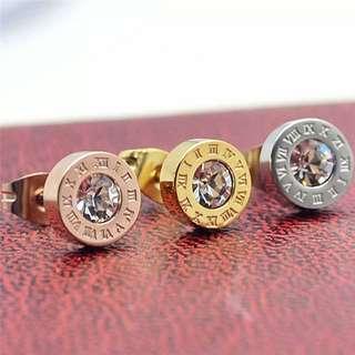 Bvlgari Style ear stud wif diamond