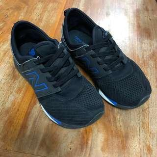 New Balance Kids Shoes (preowned)