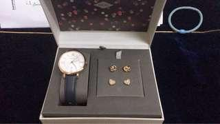 Fossil watch- JACQUELINE THREE-HAND DATE BLUE LEATHER WATCH AND EARRINGS BOX SET