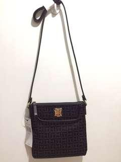REPRICED!ORIGINAL TOMMY HILFIGER CROSS BODY BAG
