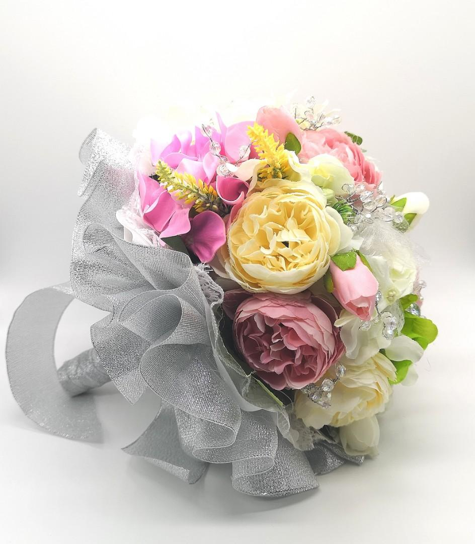 Artificial bridal bouquet with crystals and Rhinestones