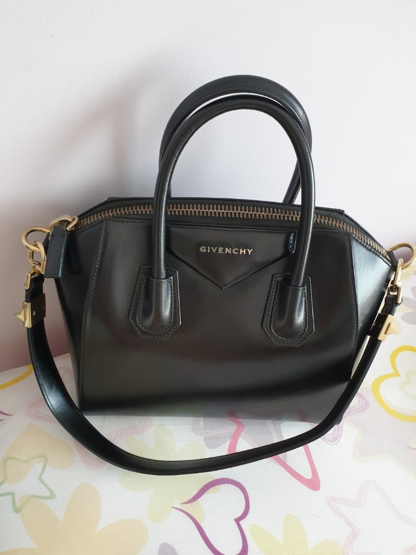 6480766f15 Givenchy Antigona, smooth calf leather, small size, gold hardware ...