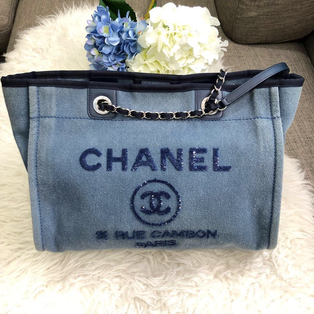 💙Good Deal!💙 Full Set! Chanel Deauville Medium Tote in Blue Denim ... 4a4635892f
