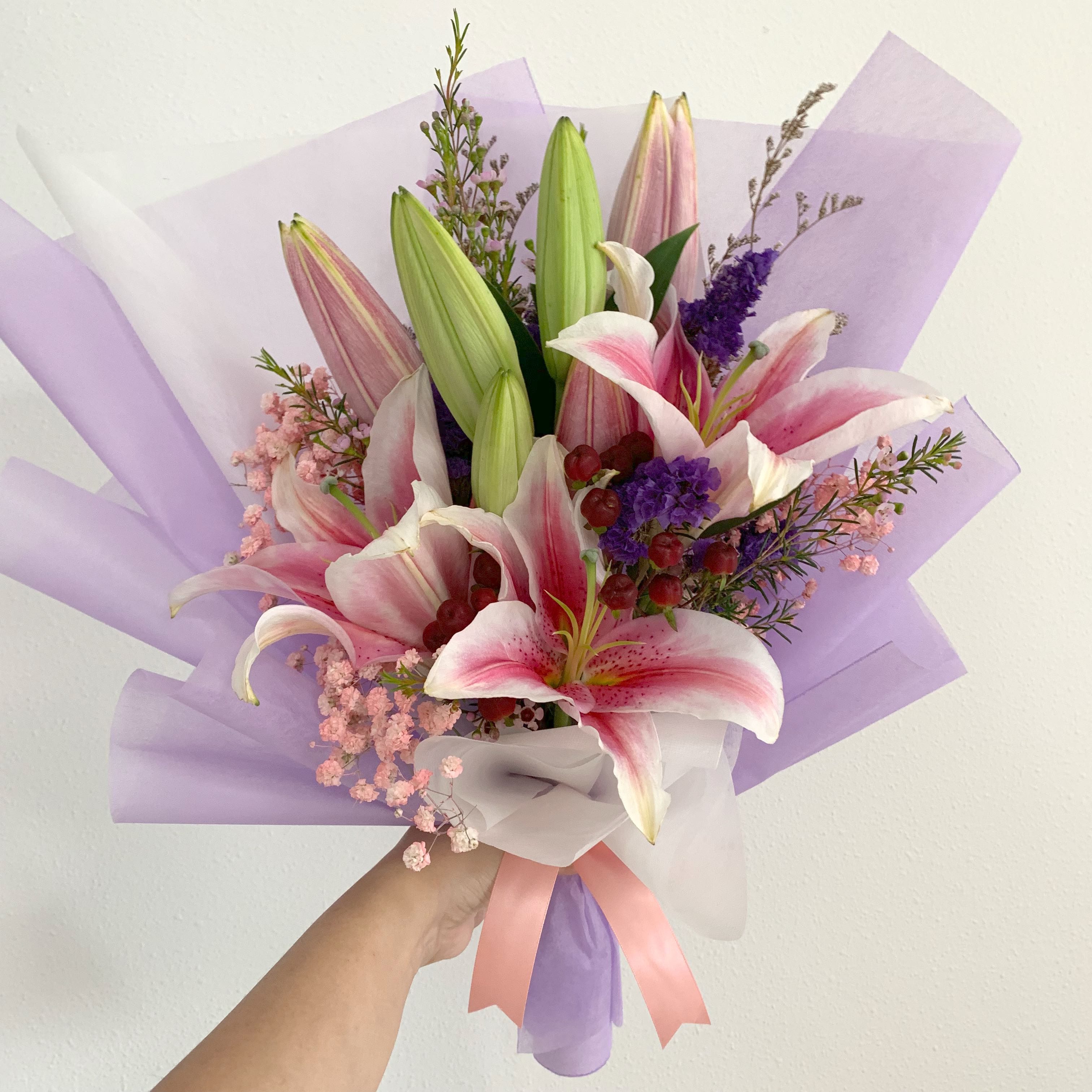 Large Lily Bouquet With Baby Breath Mix Fillers Birthday Bouquet Anniversary Gardening Flowers Bouquets On Carousell