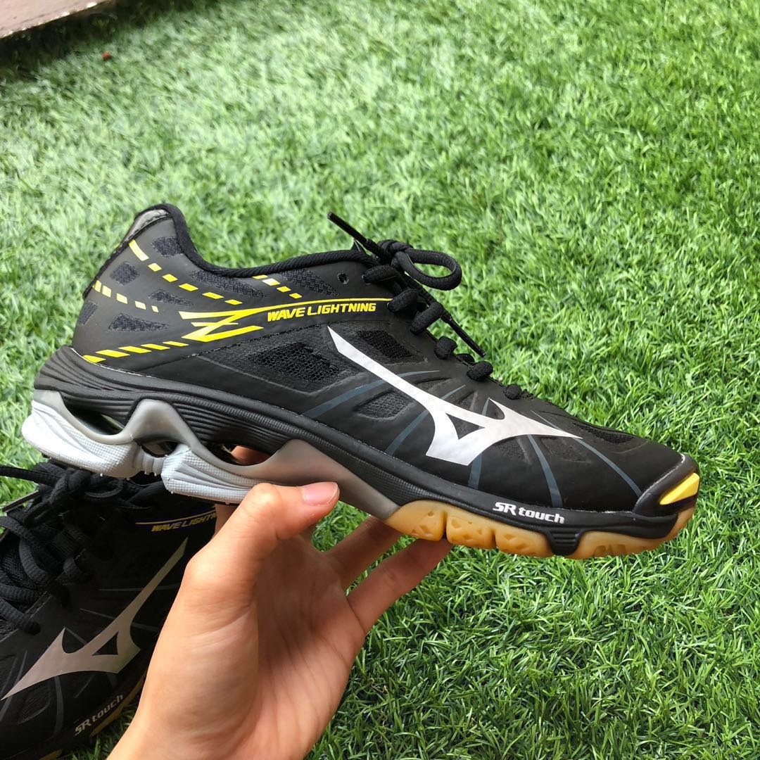 e574dc74 Mizuno Wave lightning Z Volleyball shoes, Sports, Sports & Games ...
