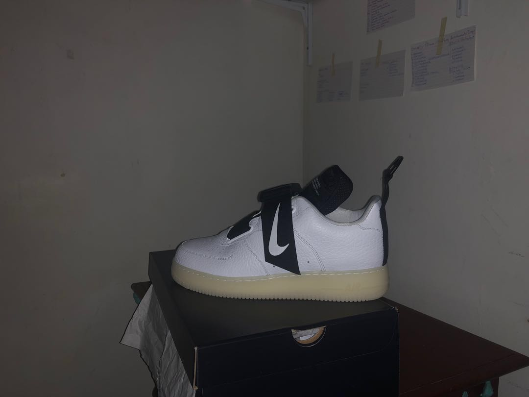 c0e28b5f7af Nike Air Force 1 Utility QS (Glow in The Dark)