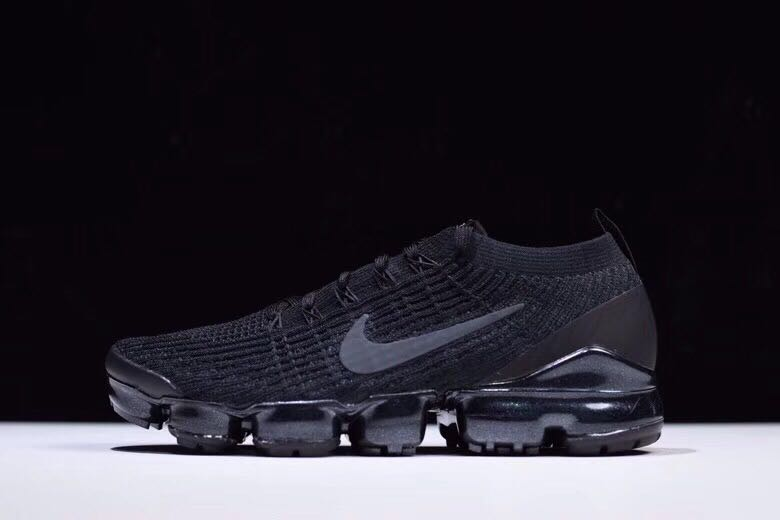 brand new cf805 d32eb Nike Air VaporMax Flyknit 3.0 Black, Mens Fashion, Footwear, Sneakers on  Carousell