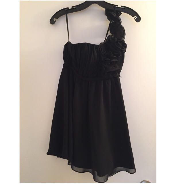 One Shoulder ittle Black Dress