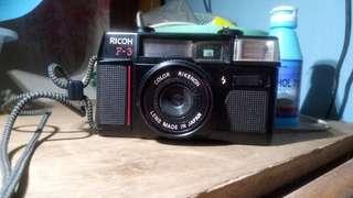 Camera ricoh