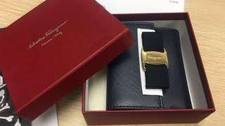 Salvatore Ferragamo short wallet 100% new