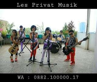 Les Privat Gitar Bass Keyboard Drum Vokal Band