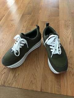 ✨ ZARA sneakers - SALE ✨