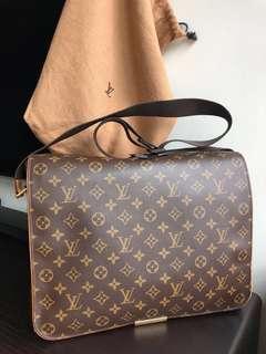 Louis Vuitton Monogram messenger bag