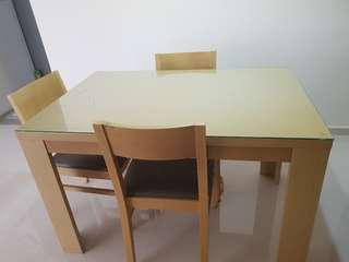 Good Dining table