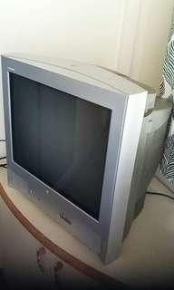 "Vintage LG Flatron 21"" TV"