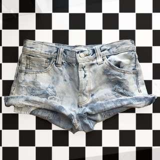 Light acid washed distressed denim shorts