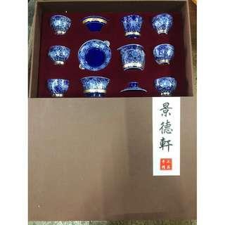 蹄蓮花鎏銀茶具