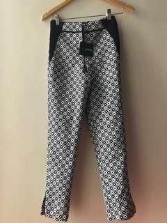 New with tag Asos printed skinny pants - 25-26 when measured