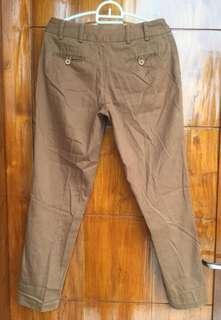 Celana Bahan Cokelat