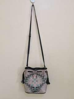 Authentic Topshop sling bucket bag