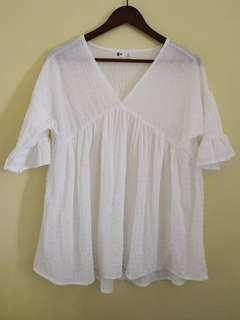 Dainty white blouse L to XL